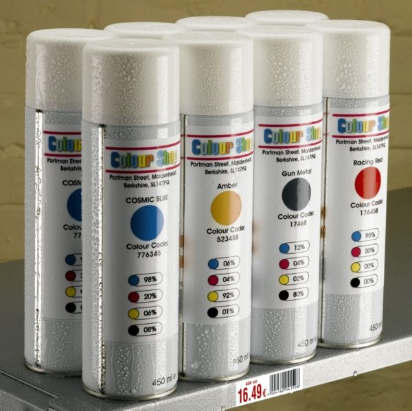 recipientes etiquetados con etiquetas de poliéster blanco, impresas con láser, resisten a la intemperie